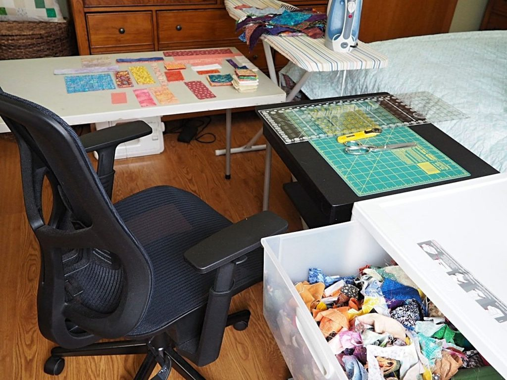 Best way to organize scrap fabric - createwithclaudia.com - #quilting #sewing