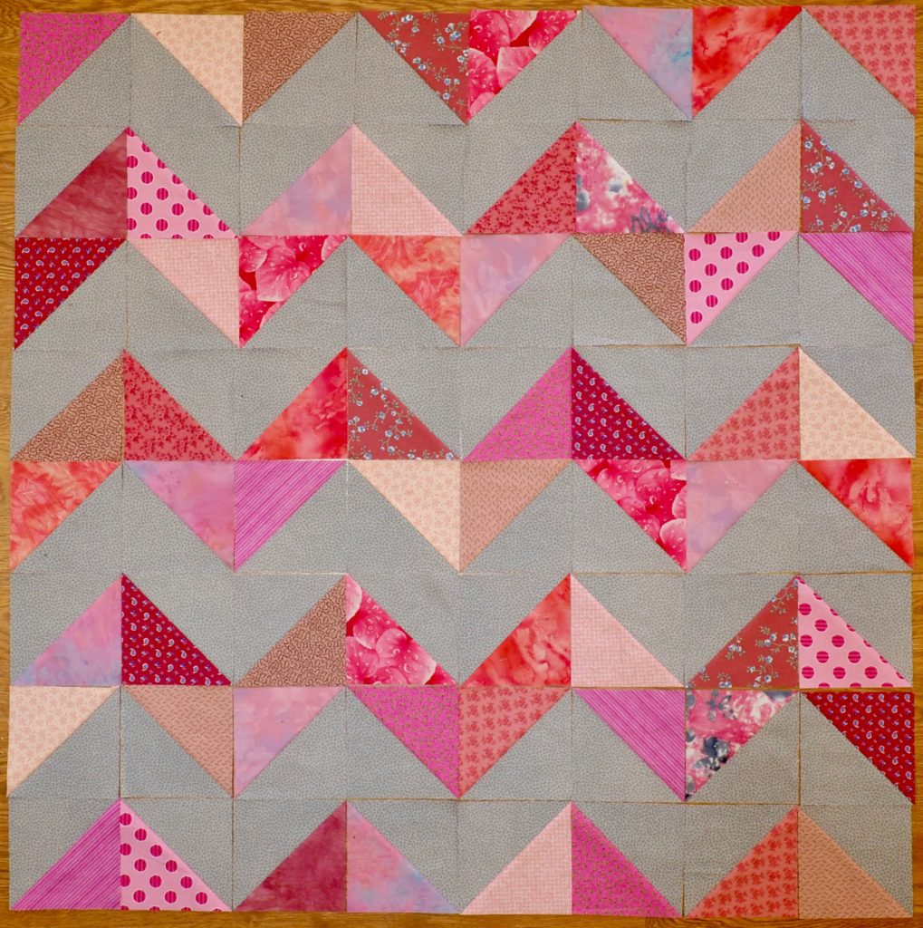 16 Half Square Triangle Quilt Patterns and a Half Square Triangle Tutorial - createwithclaudia - #quilting #quiltblock