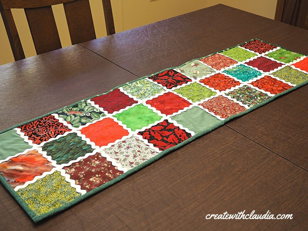 Rick Rack Christmas Table Runner Tutorial