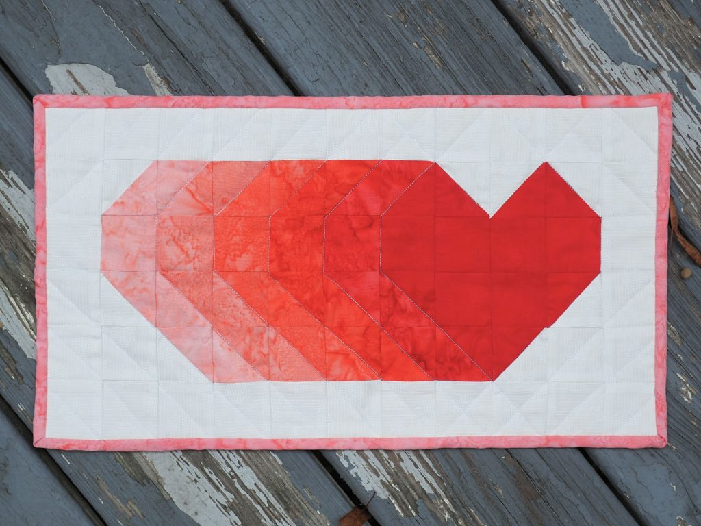 Shooting Hearts Mini Quilt Tutorial and Free Pattern - Ombre version