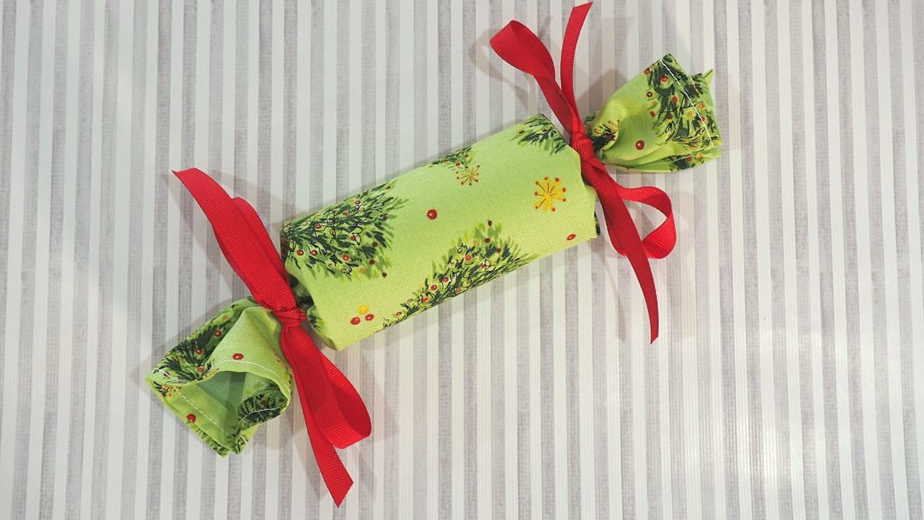 How to Make a Fabric Christmas Cracker