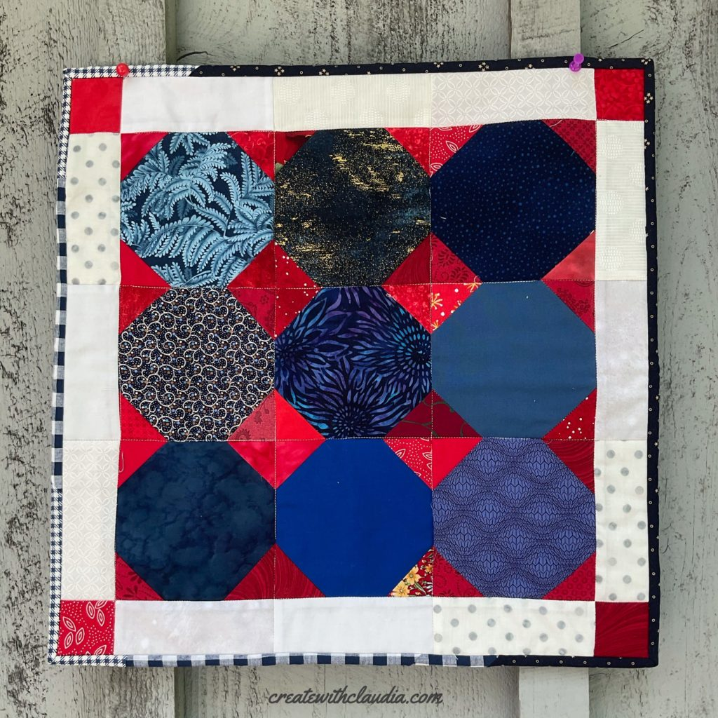 Patriotic Snowball Table Topper Pattern